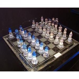 Edles geschliffenes Glas Schachspiel