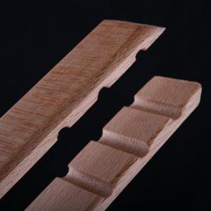 Buchenholz-Grillzange aus einem Stück