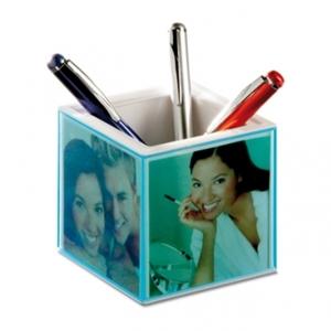 Personalisierbare Tischuhr mit Stifteköcher