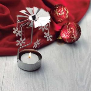 Brennendes Weihnachtskarussell