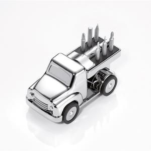 Truck mit Werkzeug als Büroklammerhalter